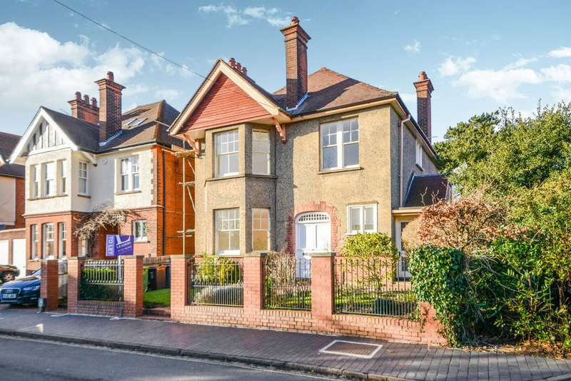 6 Bedrooms Detached House for rent in Avenue Road, St. Albans