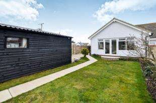 2 Bedrooms Bungalow for sale in Williamson Road, Lydd on Sea, Romney Marsh, Kent