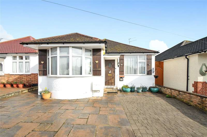 3 Bedrooms Detached Bungalow for sale in Woodford Crescent, Pinner, HA5