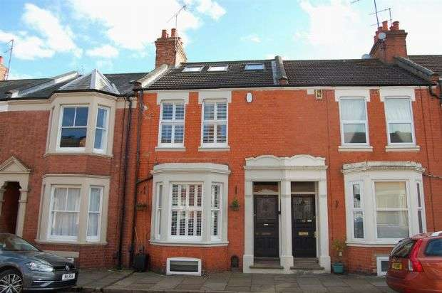 4 Bedrooms Terraced House for sale in Ashburnham Road, Abington, Northampton NN1 4RB