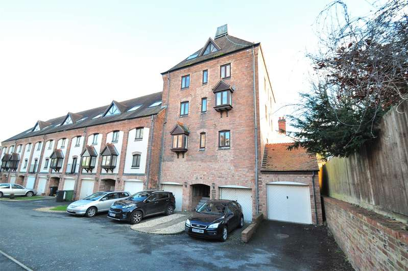 2 Bedrooms Flat for rent in Old Malthouse Court, Brewery Walk, Worcester