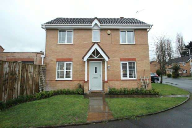 3 Bedrooms Semi Detached House for sale in Rissington Avenue, Manchester