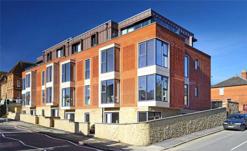 2 Bedrooms Flat for sale in Queens Place, 55-65 Farnham Road, Guildford, Surrey, GU2