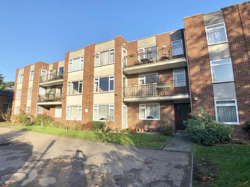 2 Bedrooms Flat for rent in Holmbury Manor, Sidcup, Kent, DA14 6DF