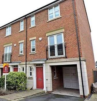 3 Bedrooms Terraced House for sale in Kelham Drive, Nottingham, NG5 1RA