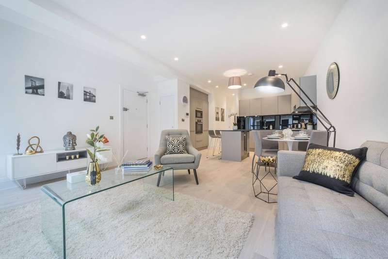 2 Bedrooms Flat for sale in Bourlet Close, Fitzrovia, London, W1W