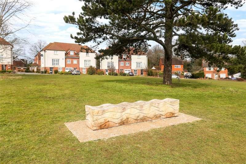 4 Bedrooms Terraced House for sale in Oak Tree Drive, Guildford, Surrey, GU1