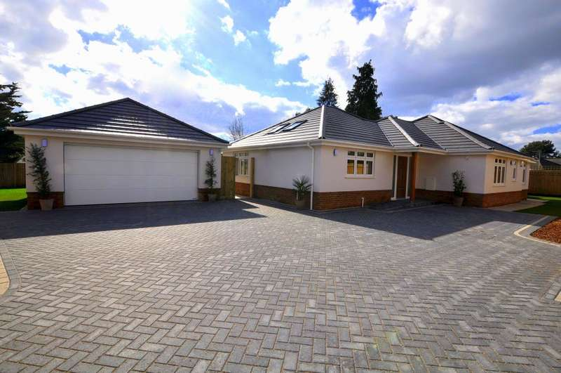 3 Bedrooms Detached Bungalow for sale in Oaks Drive, St Leonards, Ringwood, BH24 2QR