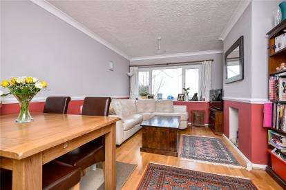 3 Bedrooms Maisonette Flat for sale in Hope Park, Bromley