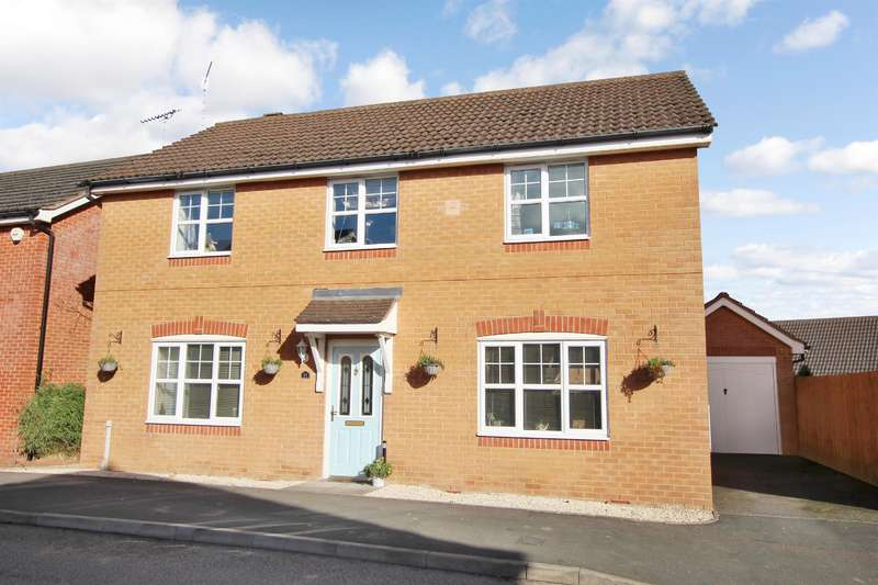 4 Bedrooms Detached House for sale in Plumstead Close, Redditch, B97 6GY