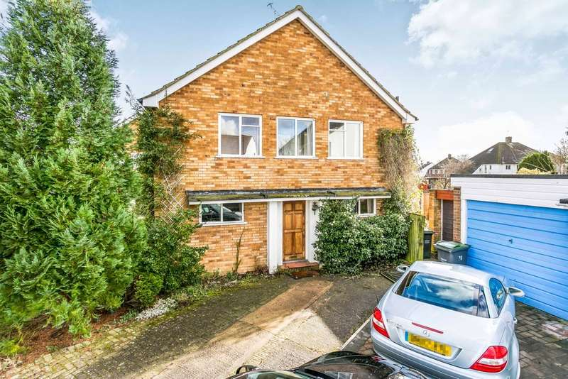 3 Bedrooms Semi Detached House for sale in Wealden Close, Hildenborough, Tonbridge