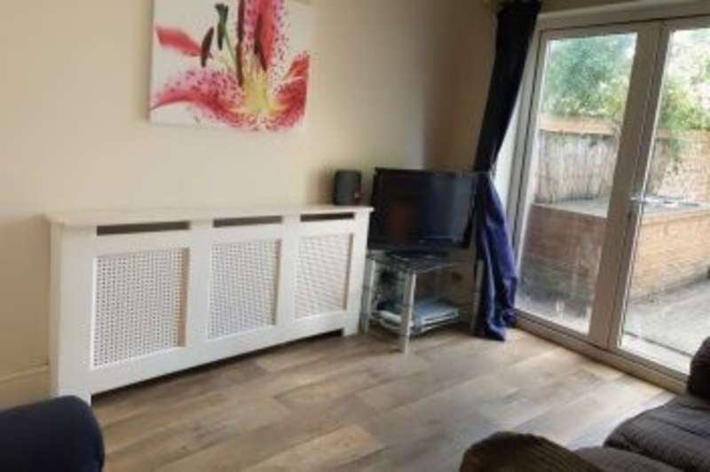 5 Bedrooms Terraced House for rent in Mafeking Road, Southsea