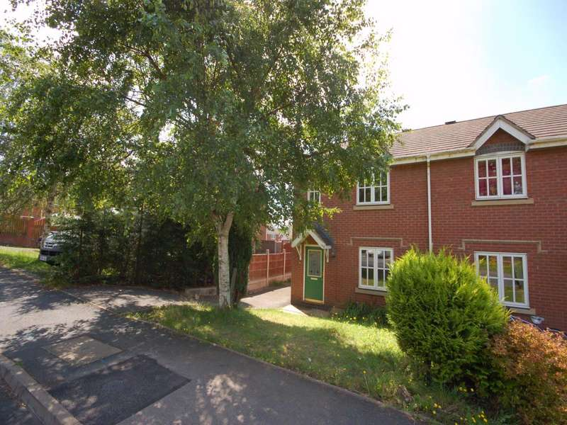 3 Bedrooms Semi Detached House for rent in 106 Woodside Road, Ketley, Telford, Shropshire, TF1