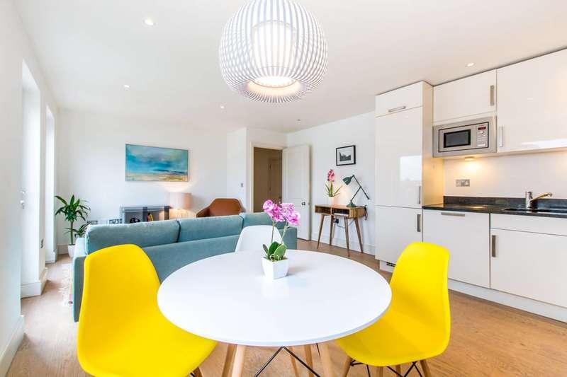 2 Bedrooms Flat for sale in Denning Mews, Balham, SW12