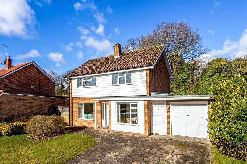 3 Bedrooms Detached House for sale in Windmill Close, Horsham, West Sussex, RH13