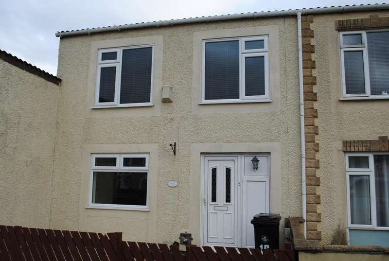 3 Bedrooms Semi Detached House for rent in Holford Court, Whitchurch, Bristol, BS14 9LT