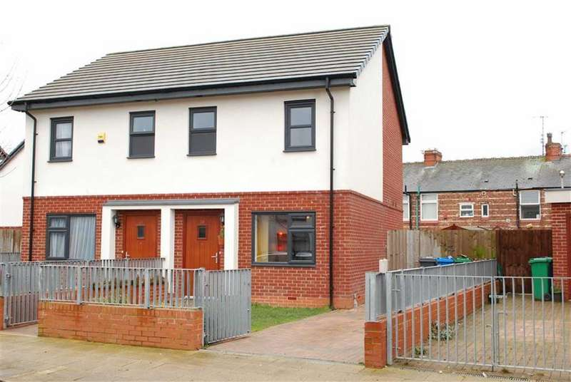 2 Bedrooms House for sale in Blue Moon Way, Fallowfield, Manchester