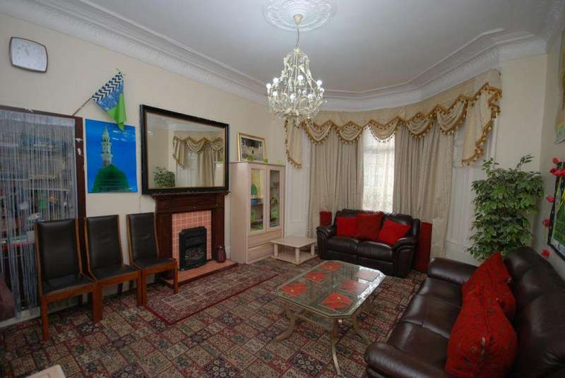 5 Bedrooms Villa House for sale in 135 Albert Road, Crosshill, Glasgow, G42 8UE