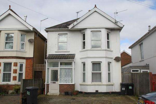 3 Bedrooms Detached House for sale in Heathwood Road, Bournemouth