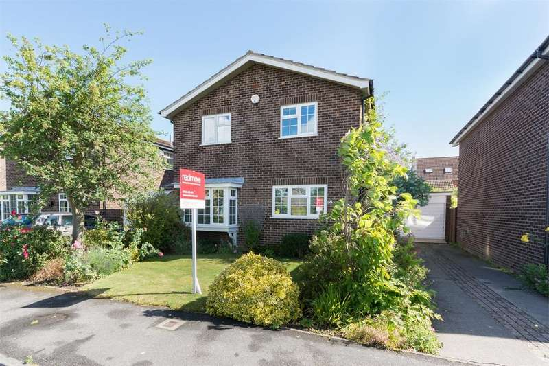 4 Bedrooms Detached House for sale in Horsfield Way, Dunnington