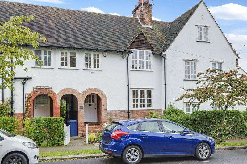 4 Bedrooms Cottage House for sale in Asmuns Hill, Hampstead Garden Suburb,NW11
