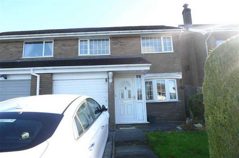 3 Bedrooms Semi Detached House for sale in Berwick Road, Buxton, Derbyshire