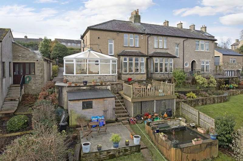 3 Bedrooms Semi Detached House for sale in Bank Road, Cross Hills