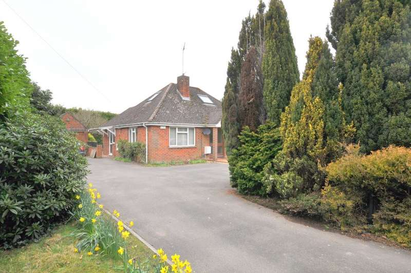 3 Bedrooms Detached Bungalow for sale in Ringwood, BH24 1UR