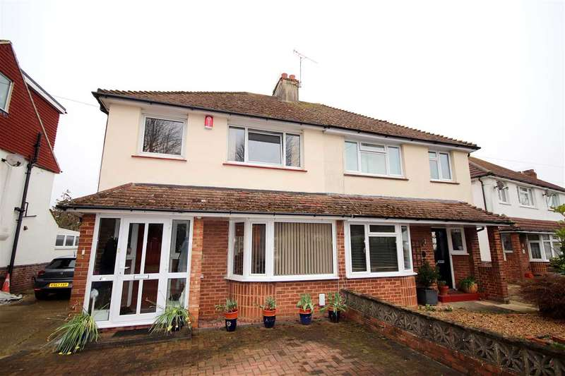 3 Bedrooms Semi Detached House for sale in Monks Avenue, Lancing