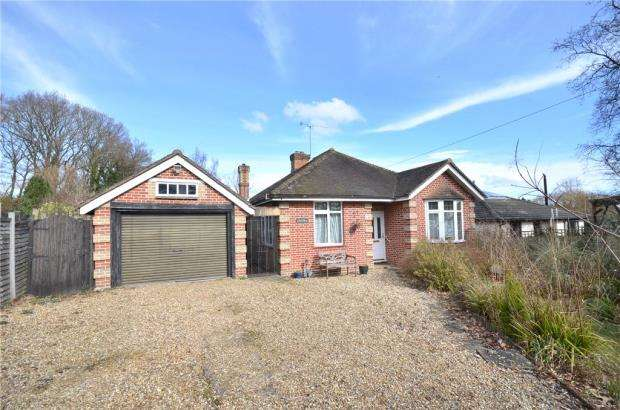3 Bedrooms Detached Bungalow for sale in Broad Lane, Bracknell, Berkshire
