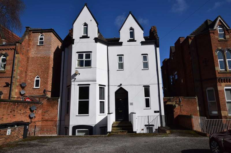 2 Bedrooms Flat for sale in Park Road West, Claughton