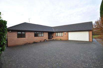 4 Bedrooms Bungalow for sale in Church Farm Court, Lower Heswall, Wirral, CH60