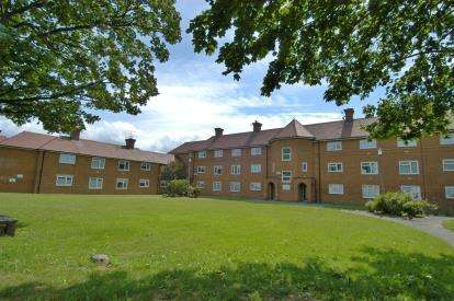 1 Bedroom Flat for sale in Government Road, Hoylake, Wirral, CH47