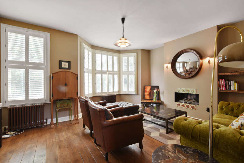 3 Bedrooms Flat for sale in Kempe Road, Queens Park NW6