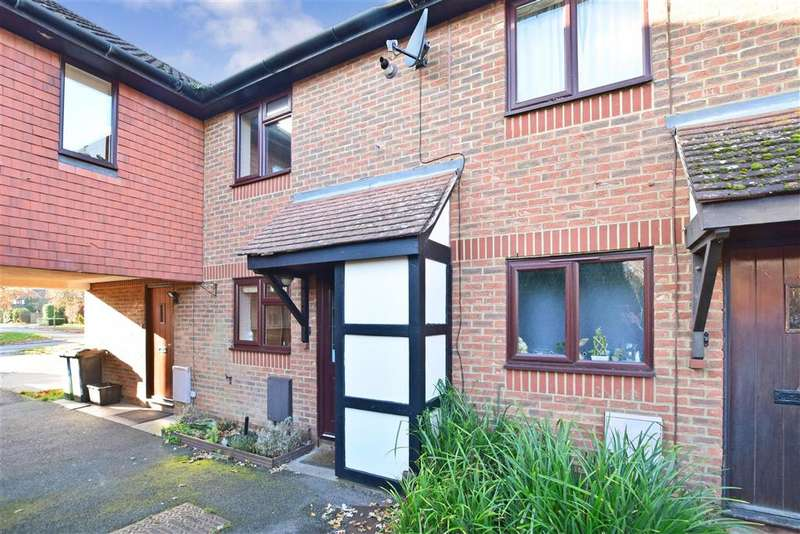 2 Bedrooms Terraced House for sale in Hilton Court, , Horley, Surrey