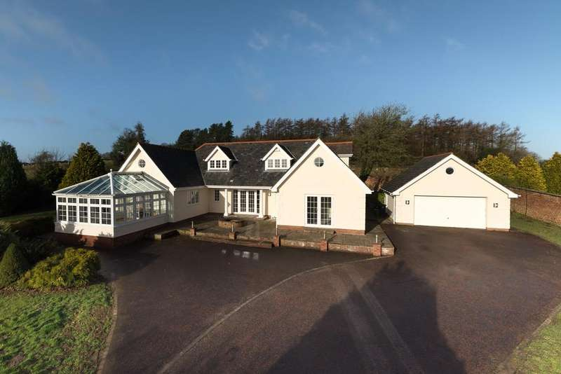5 Bedrooms Detached House for sale in Rhuallt
