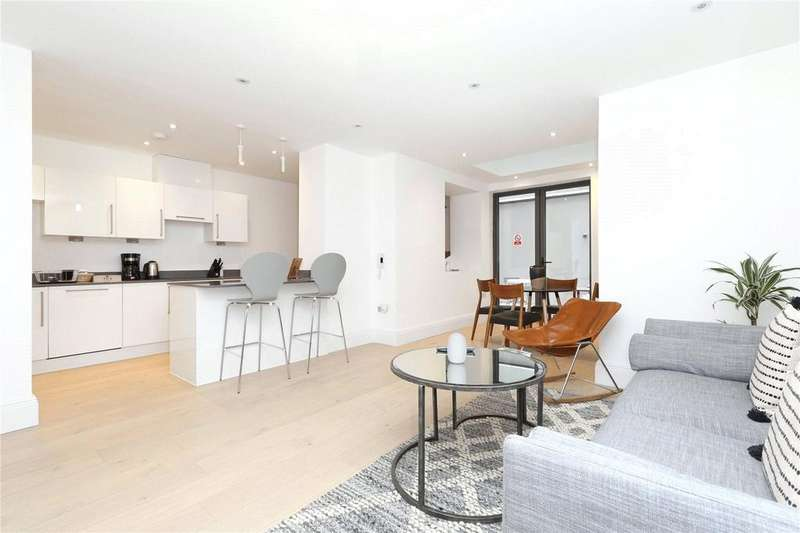 2 Bedrooms Flat for rent in Lincoln's Inn Field's, Holborn, London, WC2A