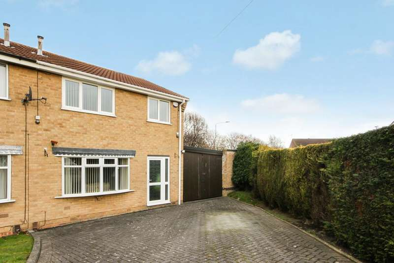 3 Bedrooms Semi Detached House for sale in Doyle Close, Loughborough