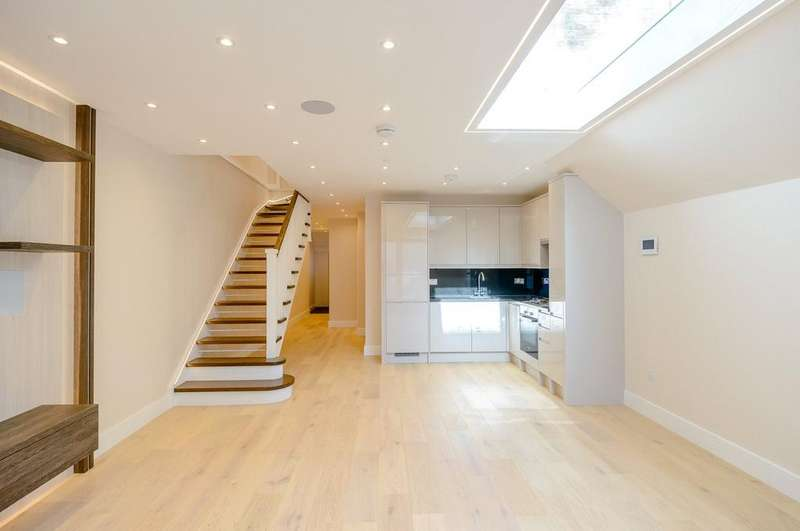 3 Bedrooms House for sale in Chesson Road, London