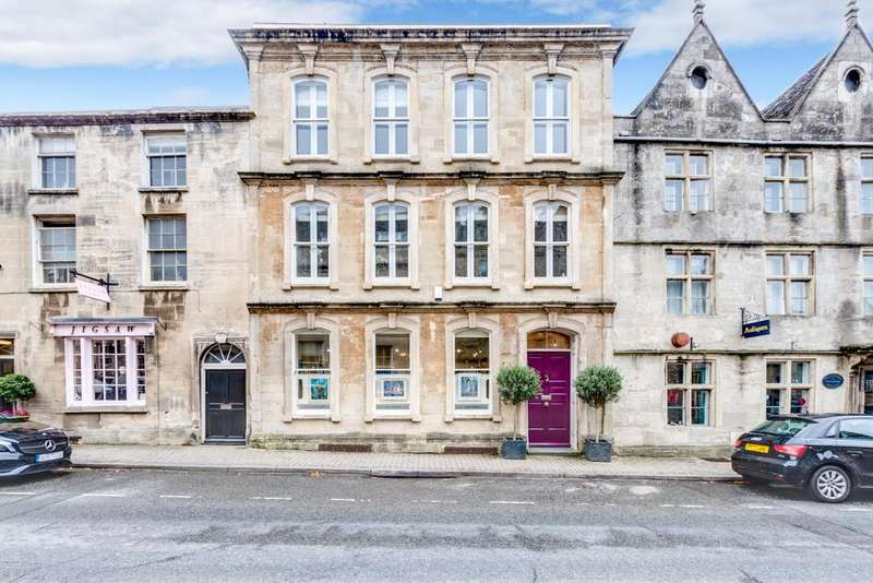 2 Bedrooms Terraced House for sale in 34, Long Street, Tetbury, Gloucestershire