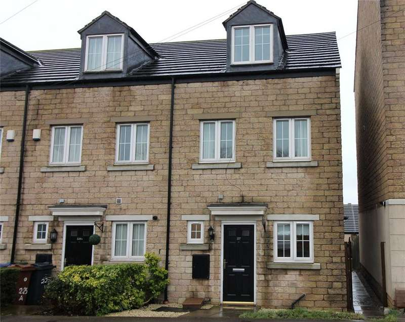 3 Bedrooms End Of Terrace House for rent in Cemetery Road, Jump, Barnsley, S74