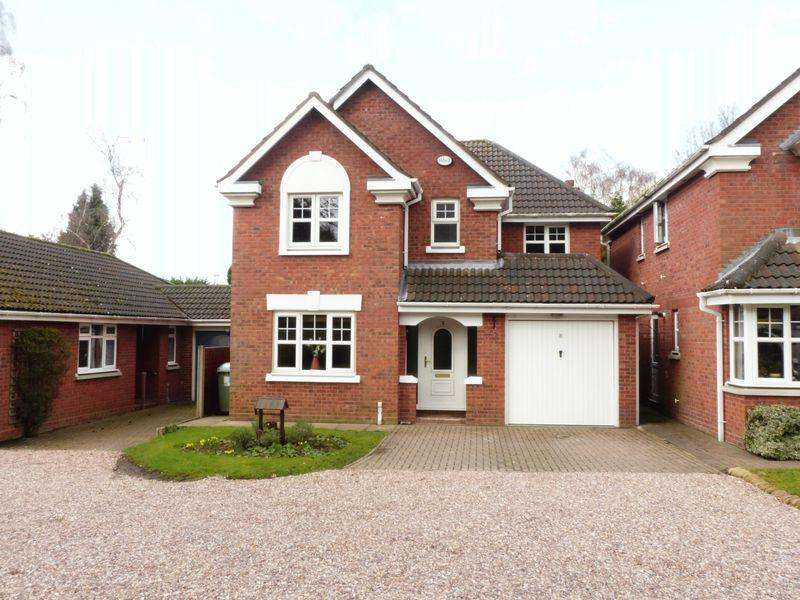 4 Bedrooms Detached House for sale in Rydal Close, Streetly