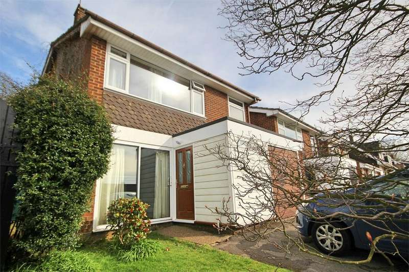 4 Bedrooms Detached House for sale in St Cleres Way, Danbury, CHELMSFORD, Essex