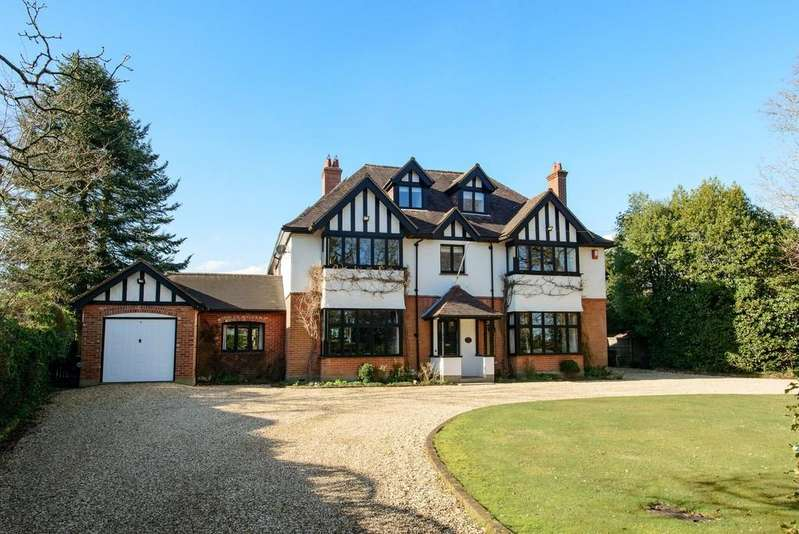 6 Bedrooms Detached House for sale in CHEWTON FARM ESTATE
