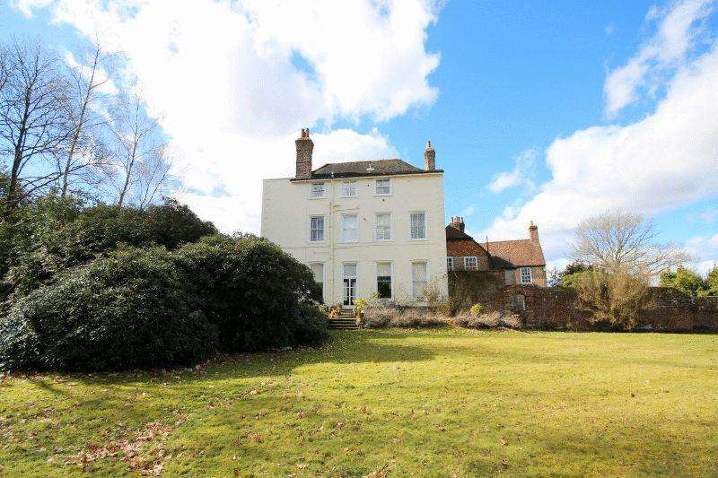 1 Bedroom Apartment Flat for sale in Butlers Green House, Butlers Green Road, Haywards Heath
