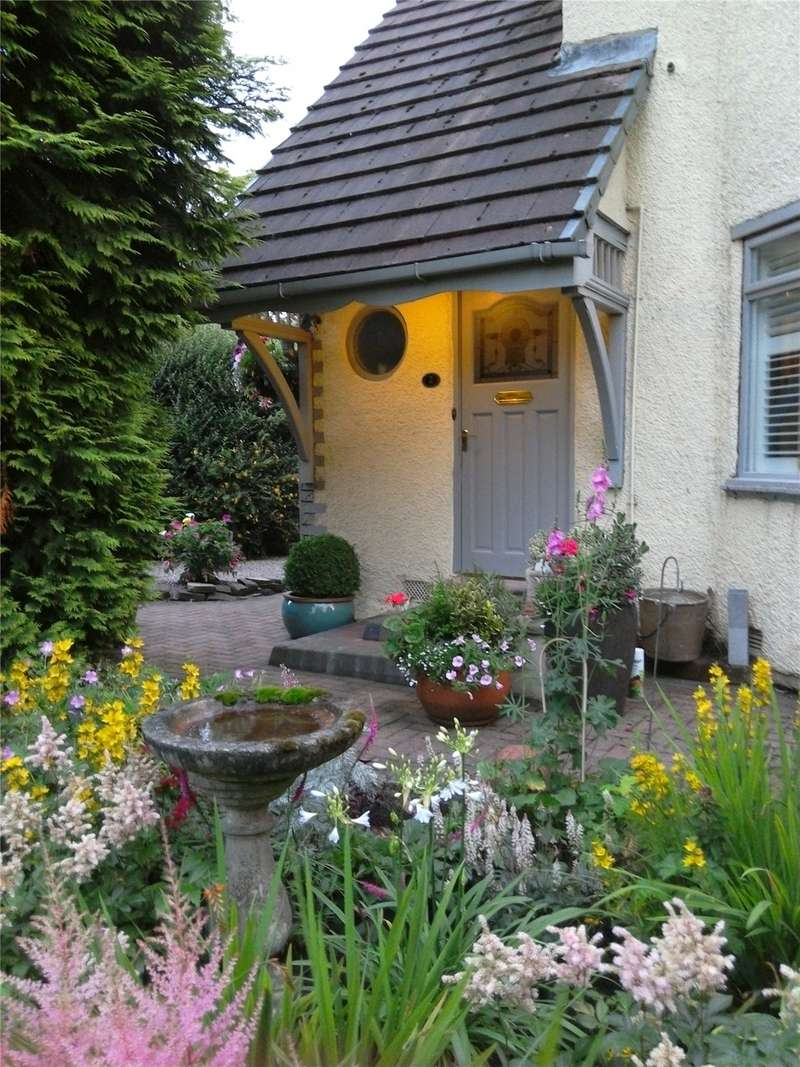 3 Bedrooms Semi Detached House for sale in Uplands, Alkrington, Middleton, Manchester, M24