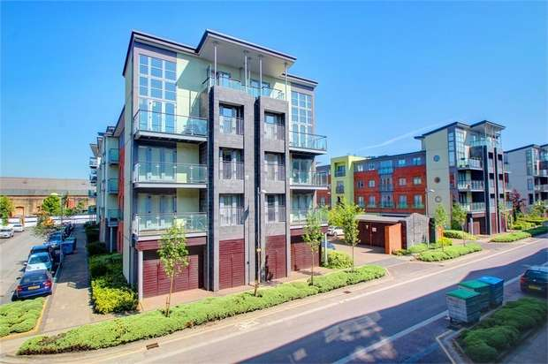 1 Bedroom Flat for sale in Colombo Square, Gateshead, Tyne and Wear, UK