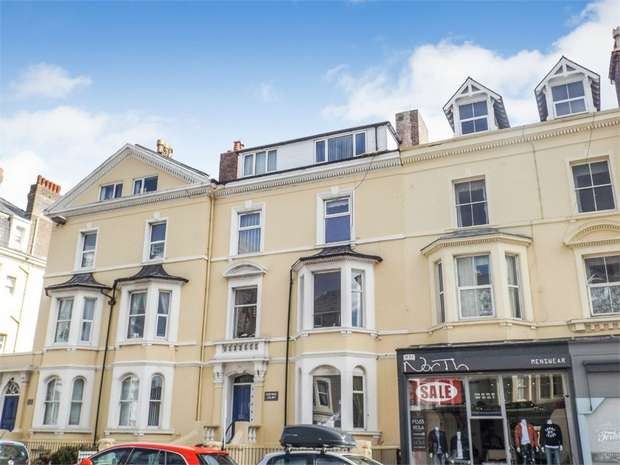 2 Bedrooms Flat for sale in 25 Vaughan Street, Llandudno, Conwy