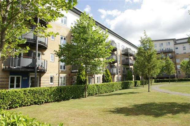 2 Bedrooms Flat for sale in Modena Mews, Watford, Hertfordshire