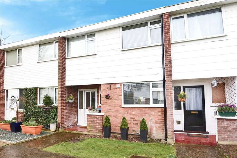 3 Bedrooms Terraced House for sale in Hawthorn Way, New Haw, Surrey, KT15